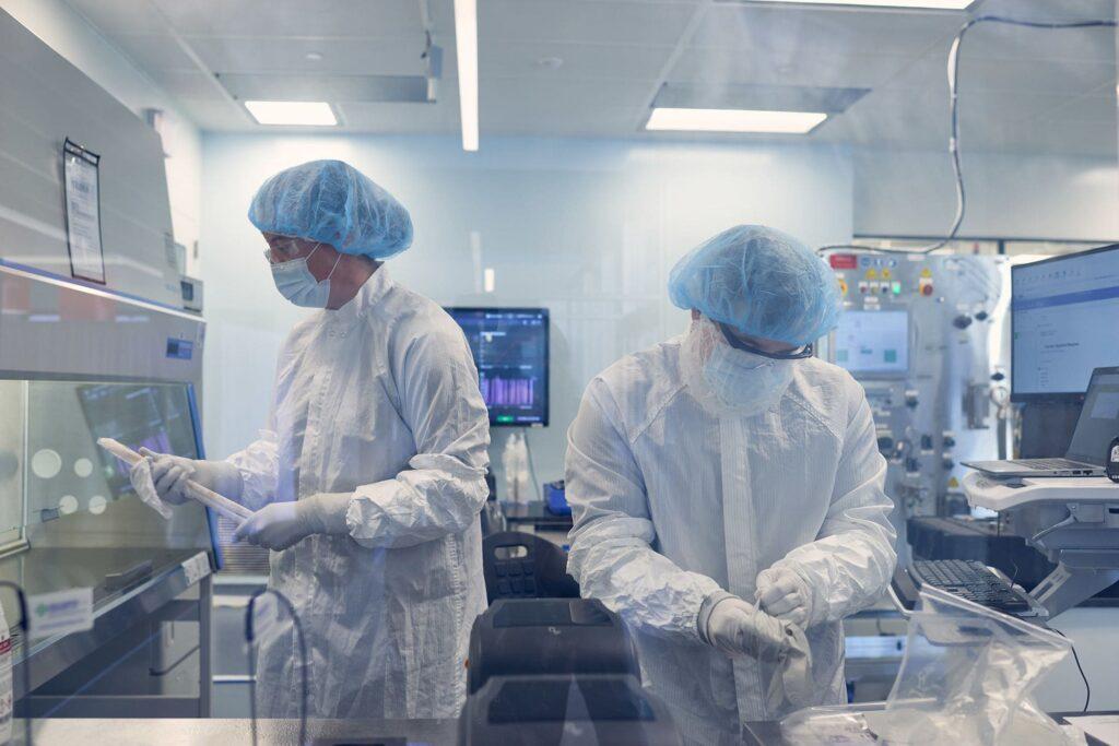 Các mục tiêu tiếp theo của Moderna, công ty trăm tỷ đô nhờ vaccine COVID-19, là sử dụng mRNA trong điều trị Cúm, HIV và Ung thư - V06