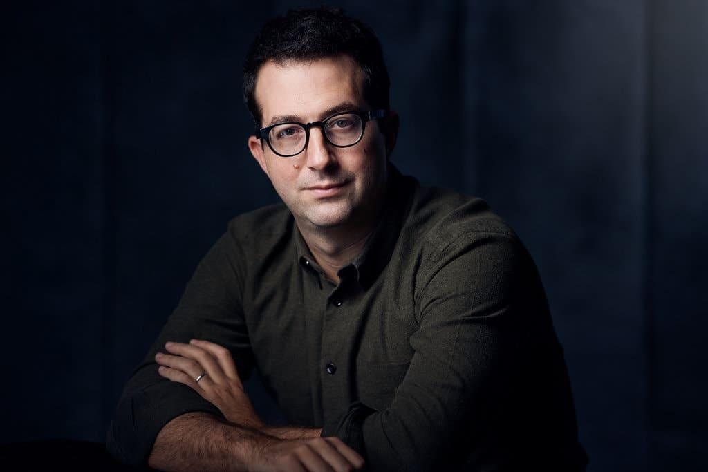 Dollar Shave Club, Warby Parker,… với các mô hình bán hàng trực tiếp đột phá đã thay đổi cách thức khách hàng mua sản phẩm thiết yếu - V02